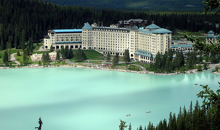 Fairmont-Chateau-Lake-Louise-Canada-2